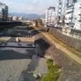 秦野市内を流れる水無川